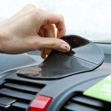 Подарок автомобилисту женщине: что можно подарить?